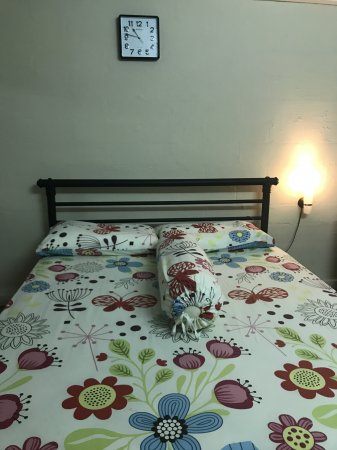Common room to rent for couple or single lady@Jln Bukit Merah - Tiong Bahru - Myanmar Roommate